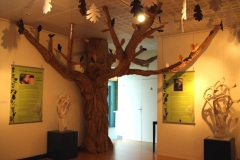 """Paper Tree III"" -  Aleksandra Foltyn-Gouin et Polisto - Exposition ""Civaux terre de légendes"" 2018."