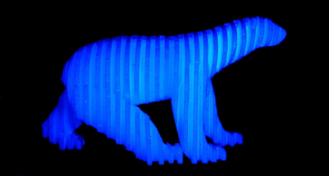 The Consternation Of Nanook, sculpture d'ours blanc (ours polaire) de Polisto (2014).